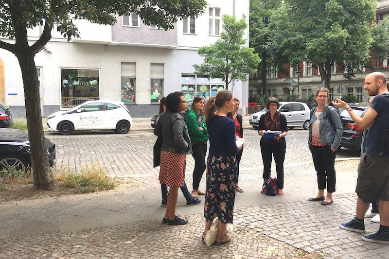 Gruppe auf einem Stadtrundgang